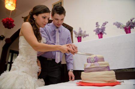 krájení svatebního dortu | restaurace Horfa, Slavkov
