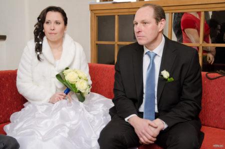 nevěsta s ženichem čekají na obřad | Český Krumlov