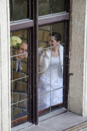 manželé v okně | Český Krumlov