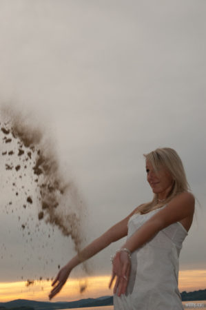 házení pískem | Černá v Pošumaví