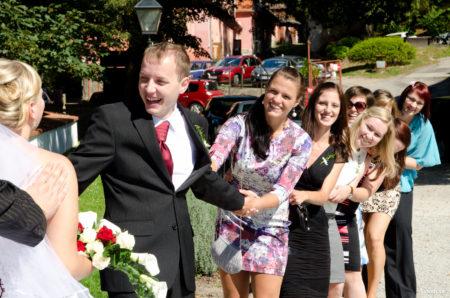 holky se přetahují o ženicha | Rožmberk nad Vltavou