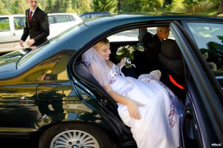 příjezd nevěsty na hostinu | restaurace Studenec, Rožmberk nad Vltavou