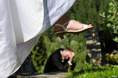 nevěsta rozšlapává ženicha | restaurace Studenec, Rožmberk nad Vltavou