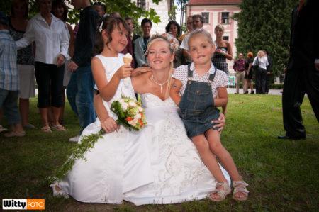 nevěsta s dětmi | Třeboň