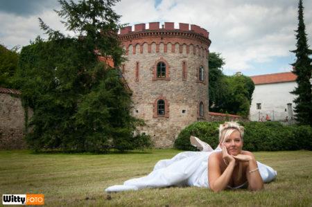 nevěsta v zámeckém parku | Třeboň