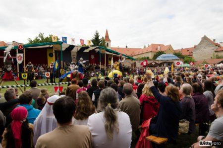 rytířský turnaj dělení růží (16:00-17:00), Pivovarské zahrady | Český Krumlov, Slavnosti pětilisté růže 2014