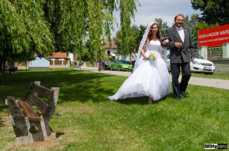 otec přivádí nevěstu | Frymburk