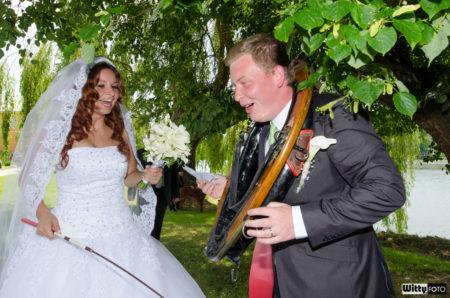 nevěsta s ženiche, v chomoutu dokončili hru | Frymburk
