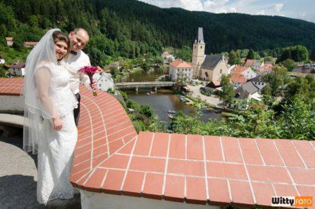 pohled z terasy na kostel Panny Marie na náměstí | Rožmberk nad Vltavou