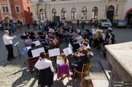 dechový orchestr ZUŠ na náměstí Svornosti | Český Krumlov
