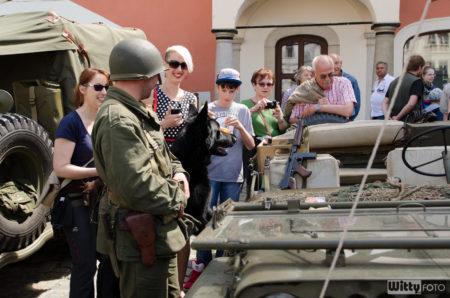 zastávka u techniky před přesunem na společné focení | Český Krumlov