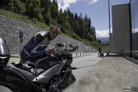 další samospoušť někde cestou | Švýcarskem na motorkách