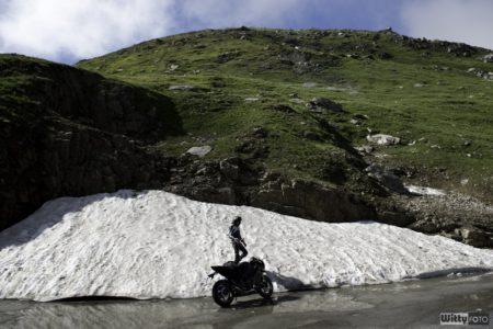 zbytky ledovce v půlce srpna | Furka Pass 2436 M