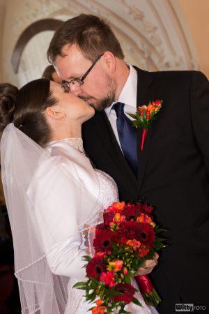 novomanželský polibek | Zlatá Koruna