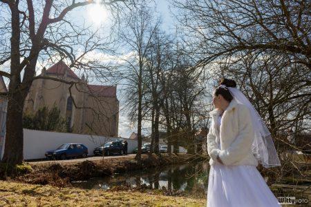 nevěsta u rybníku před klášterem | Zlatá Koruna