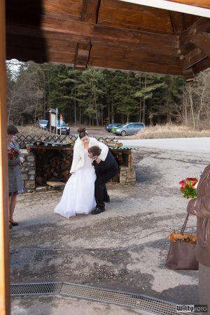 přenášení nevěsty přes práh | Zlatá Koruna