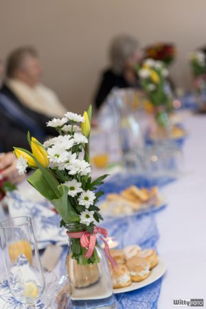 květiny na stole | Zlatá Koruna