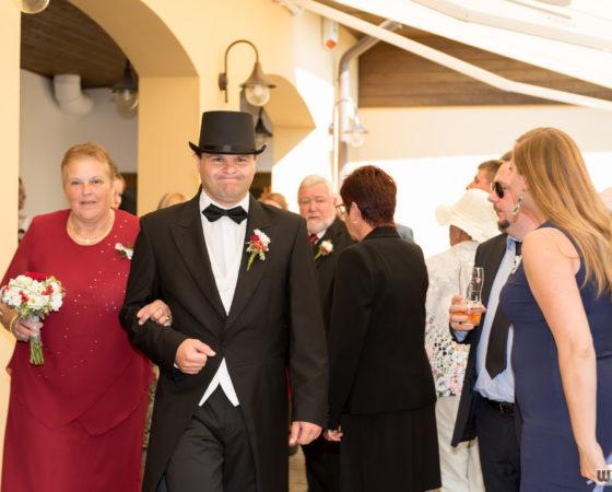přesun ženicha na slavnostní svatební obřad | Štilec