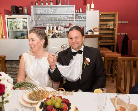 děravá lžíce k novomanželské polévce | Štilec