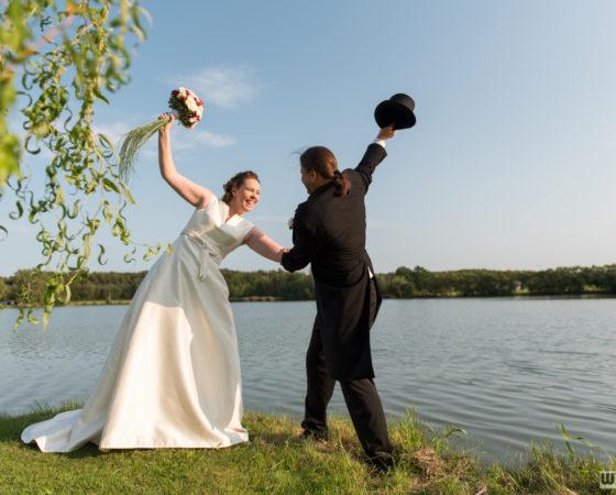 novomanželé u rybníku | Štilec