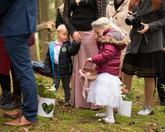 děti na lesní svatbě | Horní Planá