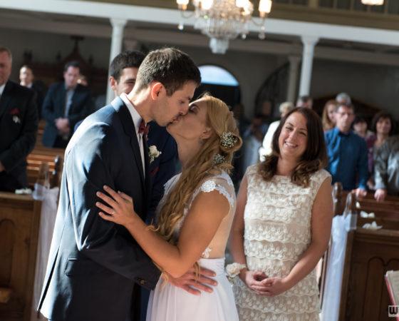 první novomanželský polibek | Černá v Pošumaví