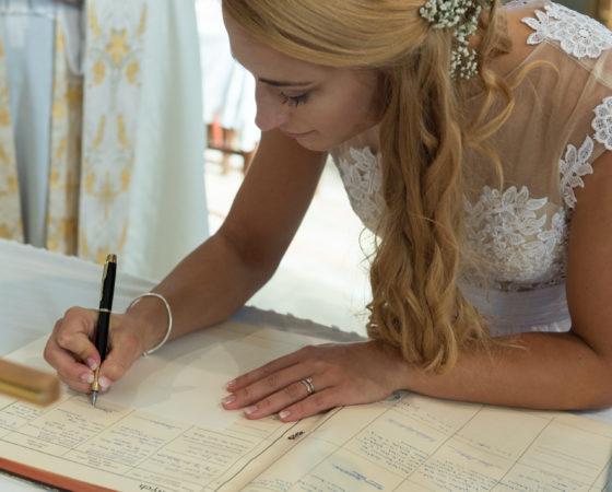 podpis nevěsty | Černá v Pošumaví