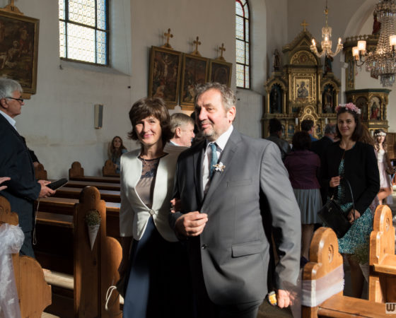 svatební obřad v kostele | Černá v Pošumaví